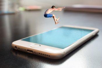 Kid spring in Smartphone